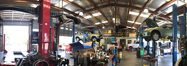 Visit the auto repair in Albuquerque experts at Flash Automotive