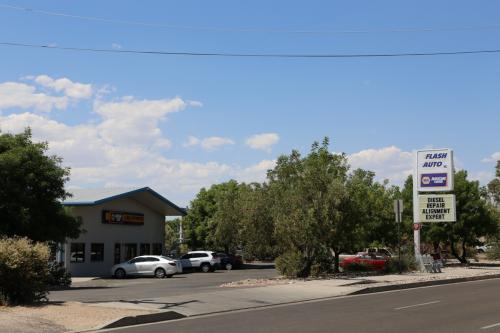 auto repair near Paseo on Jefferson near Journal Center